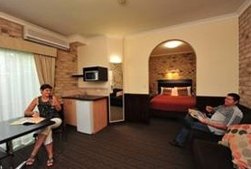 Highlander Motor Inn And Apartments - Yarra Valley Accommodation