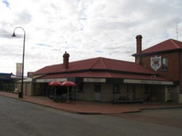 Bedford Arms Hotel - Yarra Valley Accommodation