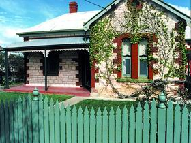 Naracoorte Cottages - Smith Street Villa - Yarra Valley Accommodation