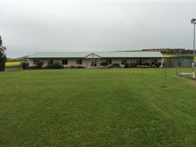 Port Lincoln Lions Hostel - Yarra Valley Accommodation