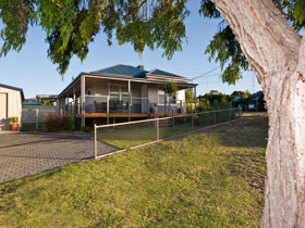 Serenity Holiday House - Yarra Valley Accommodation