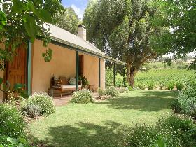 Seppeltsfield Vineyard Cottage - Yarra Valley Accommodation