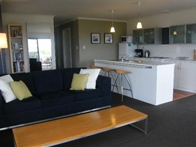 Coorong Waterfront Retreat - Yarra Valley Accommodation