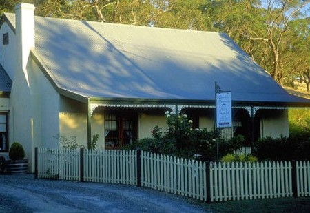 Country Pleasures Bed and Breakfast - Yarra Valley Accommodation