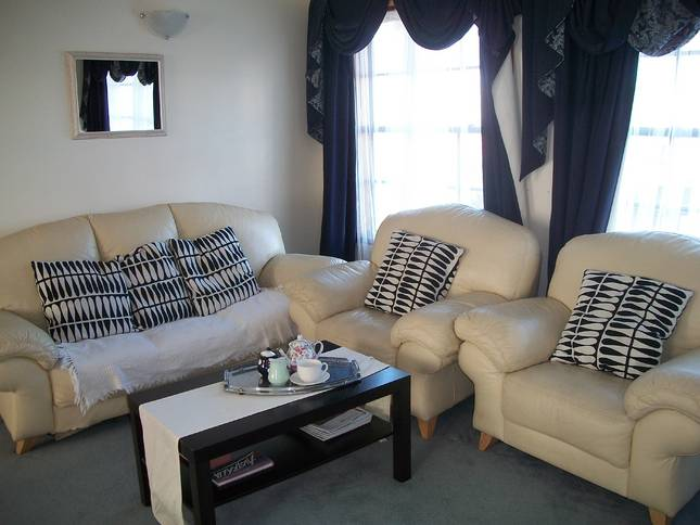 Beachside Apartment - Hove - Yarra Valley Accommodation