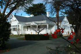 Huonville Guesthouse - Yarra Valley Accommodation