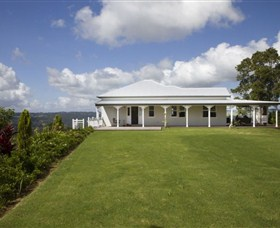 Montville Lake Terrace - Yarra Valley Accommodation