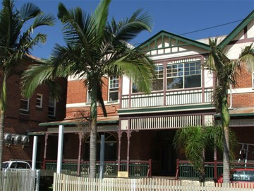 Maclean Hotel - Yarra Valley Accommodation