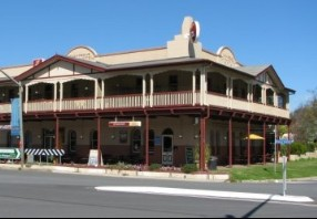 The Royal Hotel Adelong - Yarra Valley Accommodation
