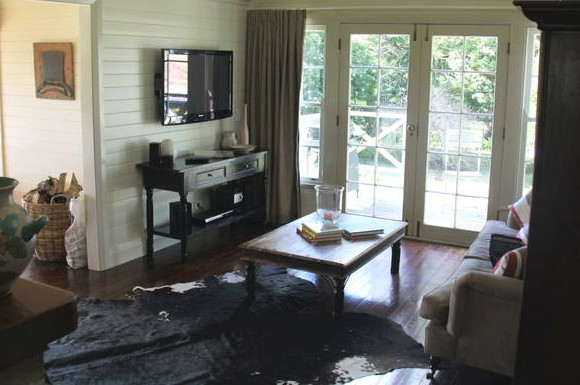 Book Barn Cottage - Yarra Valley Accommodation