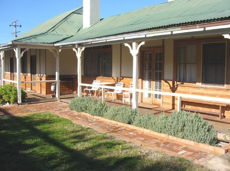 Gundagai Historic Cottages Bed and Breakfast - Yarra Valley Accommodation
