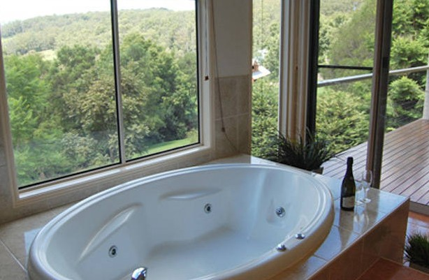 Ravensbourne Escape Kookaburra Kottage - Yarra Valley Accommodation