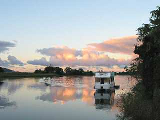 Tweed River Houseboats - Yarra Valley Accommodation