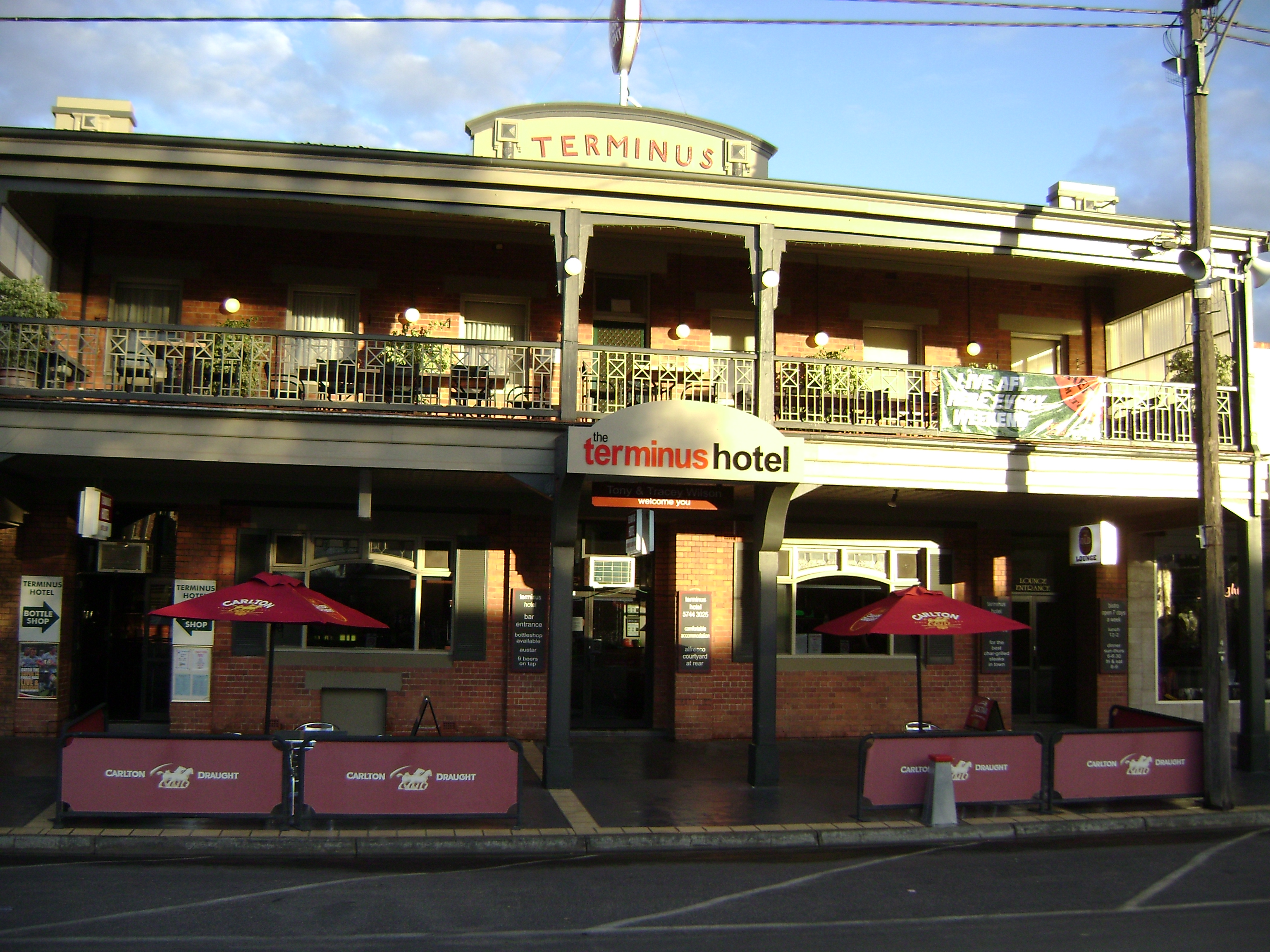 Terminus Hotel - Yarra Valley Accommodation