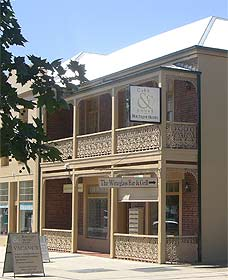 Cobb  Co Court Boutique Hotel - Yarra Valley Accommodation