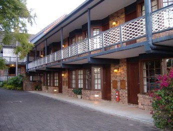 Montville Mountain Inn - Yarra Valley Accommodation