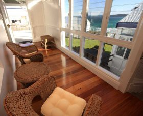 Sugarloaf Point Lighthouse Holiday Accommodation - Yarra Valley Accommodation