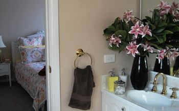 Highclaire House Bed and Breakfast - Yarra Valley Accommodation