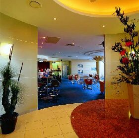 Shoreline Hotel - Yarra Valley Accommodation