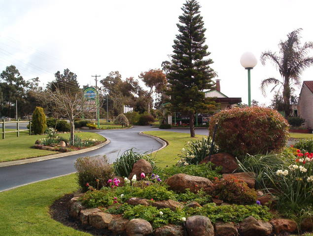 Mount Barker Valley Views Motel and Chalets - Yarra Valley Accommodation