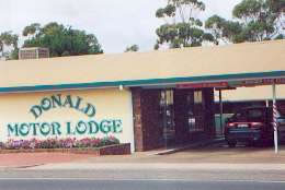 DONALD MOTOR LODGE - Yarra Valley Accommodation