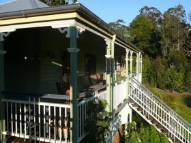 The Sanctuary Springbrook. Guest House / Cottage - Yarra Valley Accommodation
