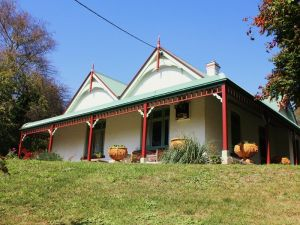 Ravenscroft and The Cottage - Yarra Valley Accommodation