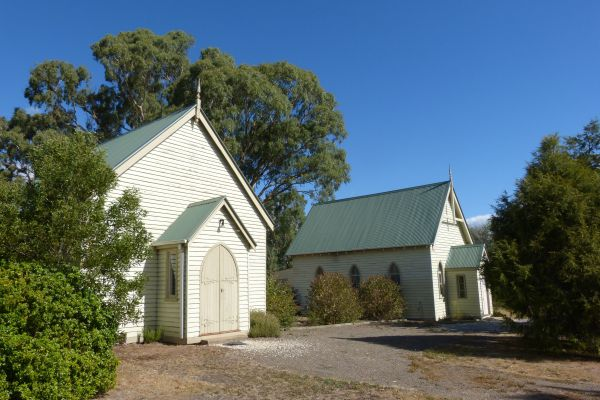 Churches of Yarck - Yarra Valley Accommodation