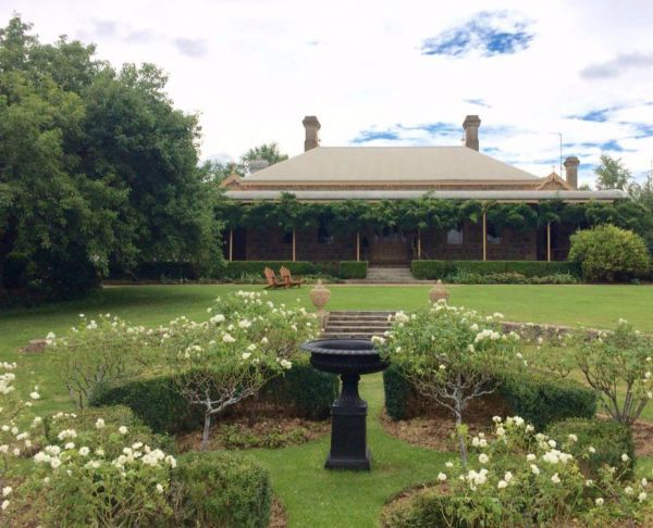 Clifton House and Gardens Farm Stay Accommodation - Yarra Valley Accommodation