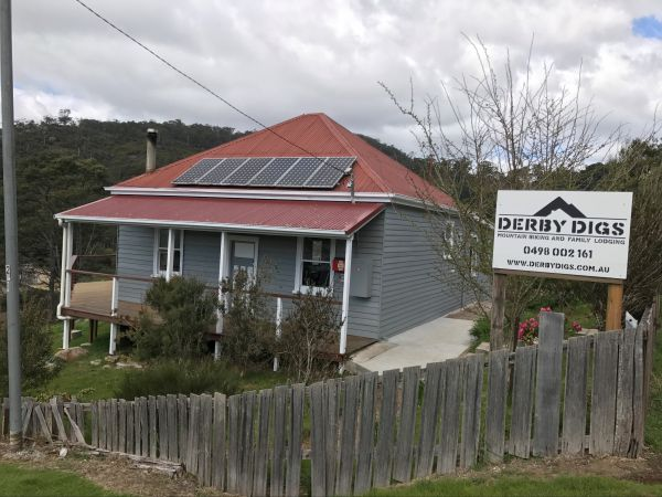 Derby Digs Cottage - Yarra Valley Accommodation