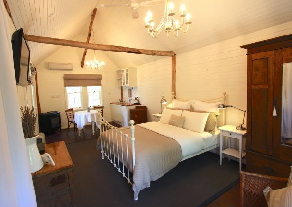 Laggan Cottage Bed and Breakfast - Yarra Valley Accommodation
