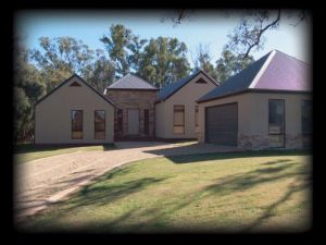 River Park House - Yarra Valley Accommodation
