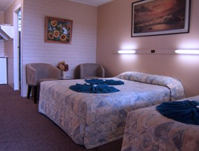 Whitsunday Palms Motel - Yarra Valley Accommodation