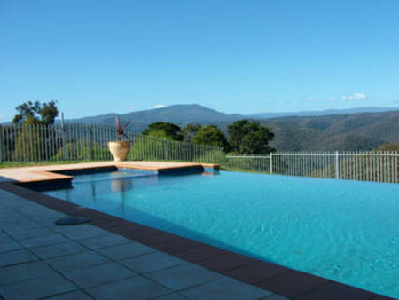 Fieldstone House - Yarra Valley Accommodation