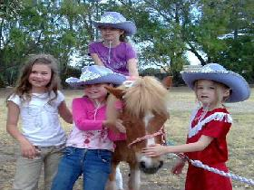 Amberainbow Pony Rides - Yarra Valley Accommodation