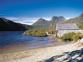 Dove Lake Circuit - Yarra Valley Accommodation