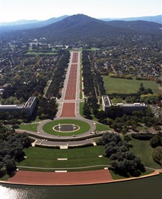ANZAC Parade - Yarra Valley Accommodation