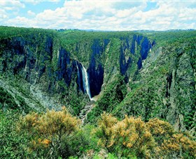 Wollomombi Falls - Yarra Valley Accommodation