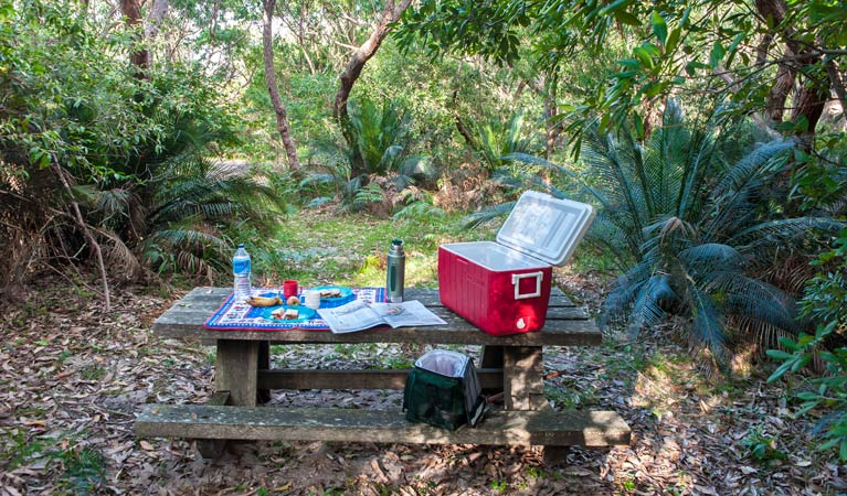 Broadwater Beach picnic area - Yarra Valley Accommodation