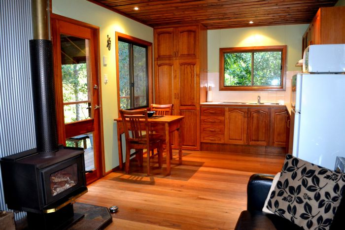 Waterfall Hideout-Rainforest Cabin for Couples - Yarra Valley Accommodation