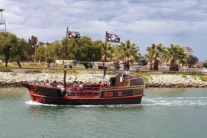 The Pirate Cruise - Yarra Valley Accommodation