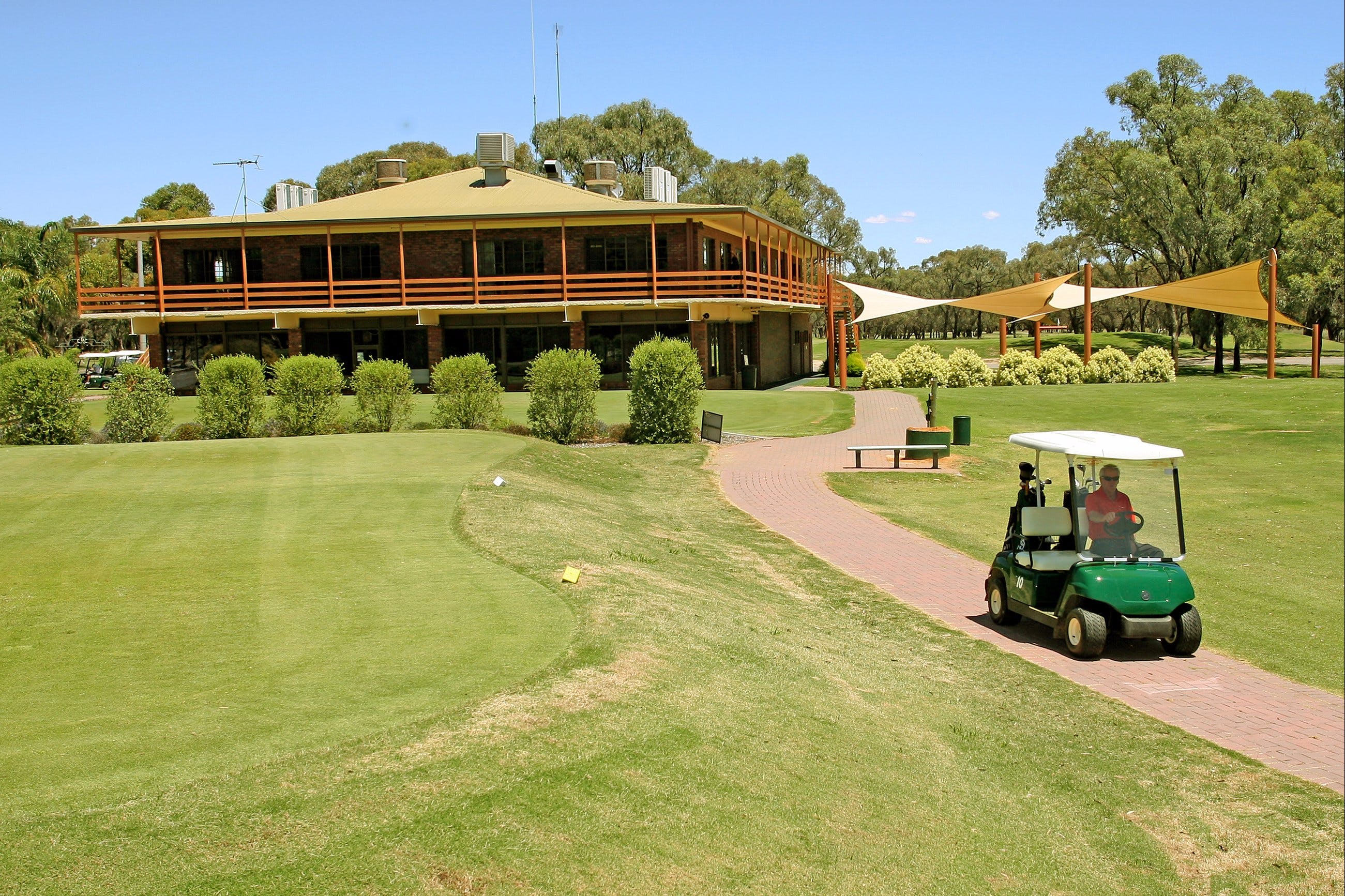 Coomealla Golf Club - Yarra Valley Accommodation