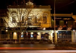 Crown and Sceptre Hotel - Yarra Valley Accommodation