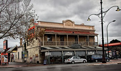 Royal Oak Hotel - Yarra Valley Accommodation
