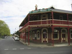 Ryans Hotel - Yarra Valley Accommodation