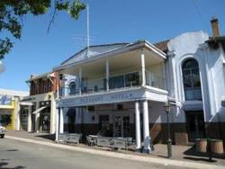 Mount Pleasant Hotel - Yarra Valley Accommodation