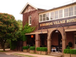 Burrawang Village Hotel - Yarra Valley Accommodation