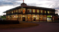 The Grand Terminus Hotel - Yarra Valley Accommodation