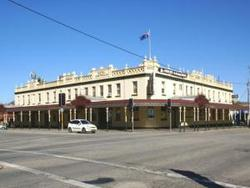Soden's Australia Hotel - Yarra Valley Accommodation