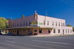 Railway Hotel - Yarra Valley Accommodation
